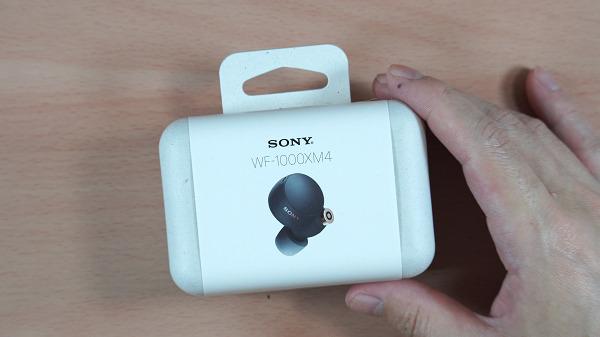 SONY WF-1000XM4のパッケージ