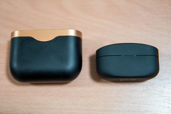 SONY WF-1000XM4とWF-1000XM3のケース比較