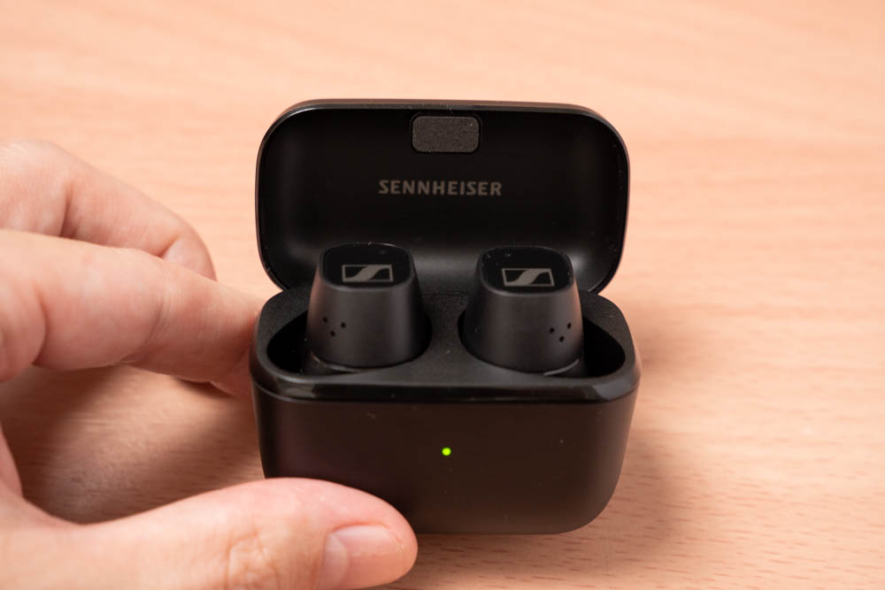 SENNHEISER CX True Wirelessのイヤホンケースを開けたところ